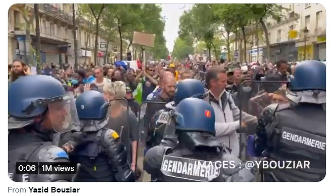 All Across France Citizens Take to the Streets and Clash with Police Protesting New Mandatory COVID-19 Vaccine Measures French-Protests