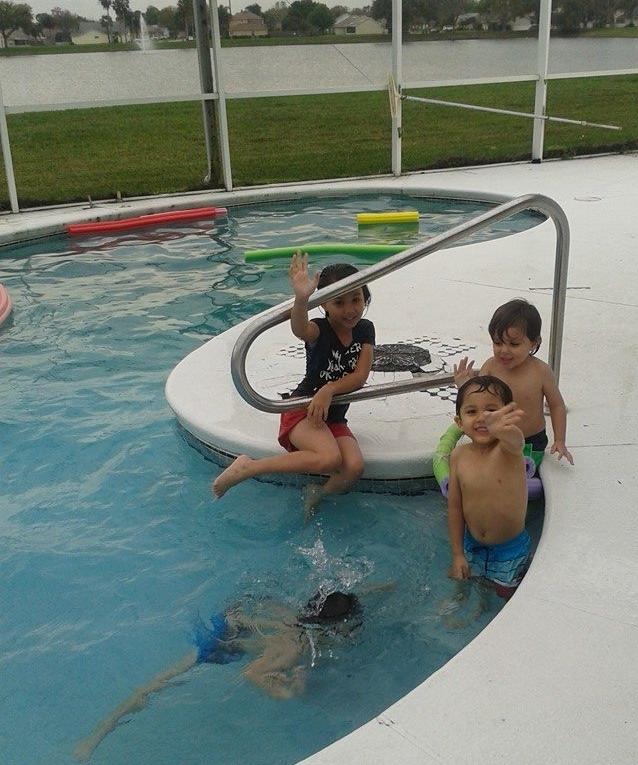 Verzosas at pool
