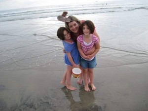 Deseree, Hildy and Taylor at the beach