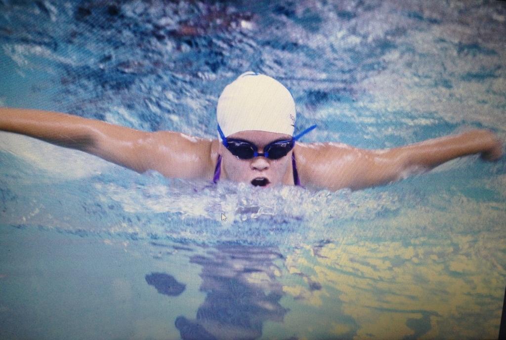 Leiani on swim team