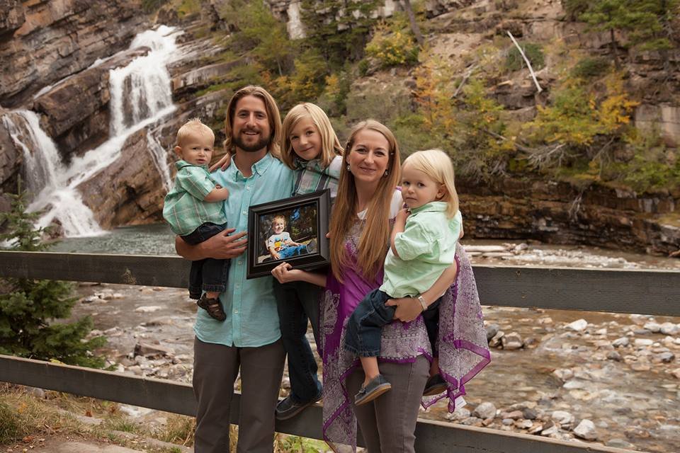 David Stephan family by waterfall