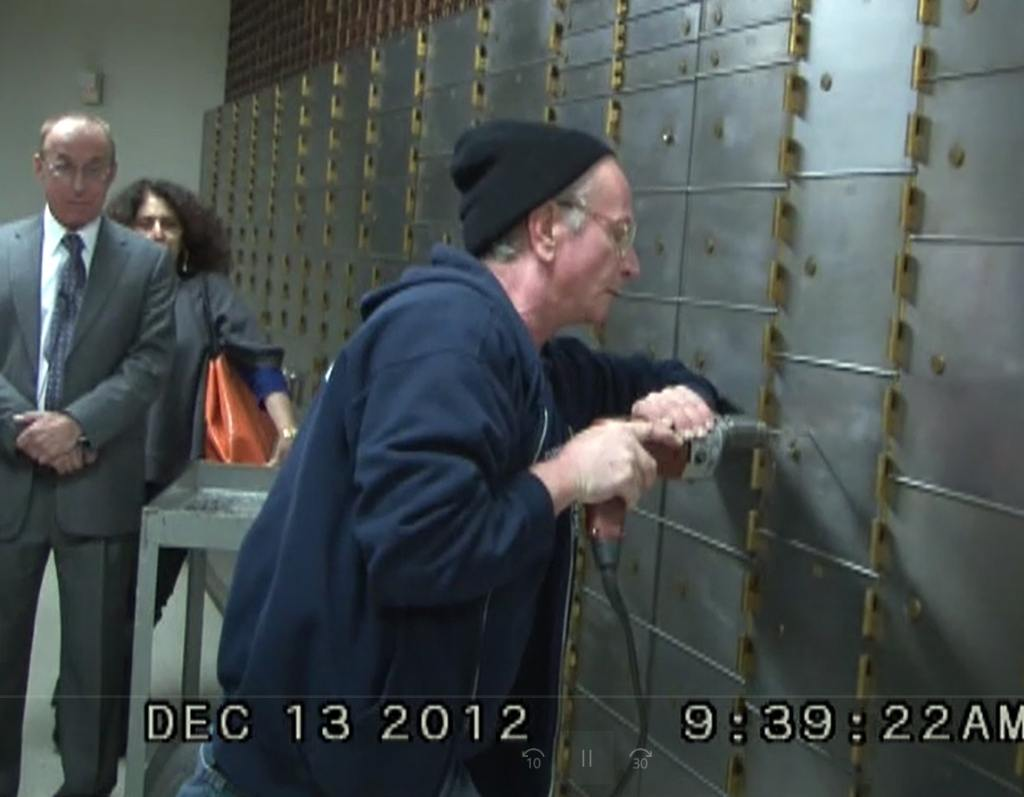 Siegel Feld and Kazarosian at bank vault via Siegel family