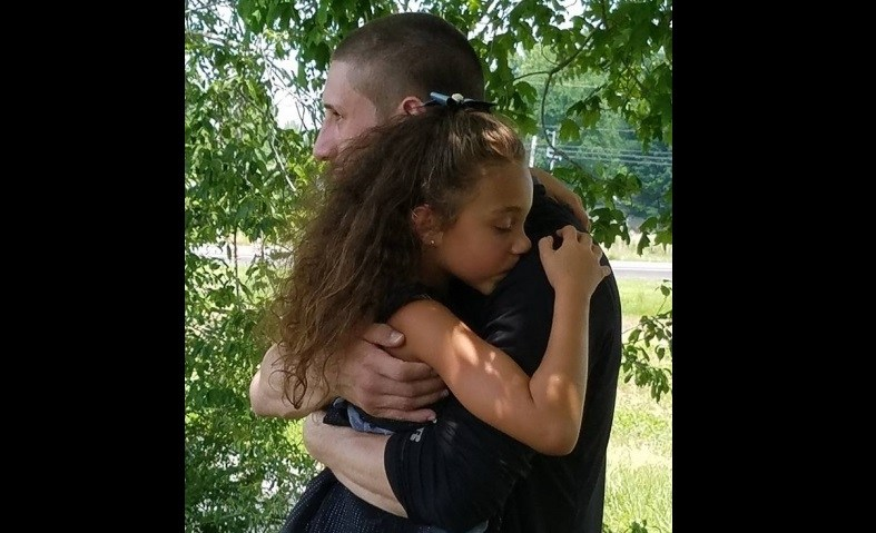 Steffen-Annalise-and-dad-at-funeral-FB