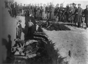 1280px-Woundedknee1891-300x217