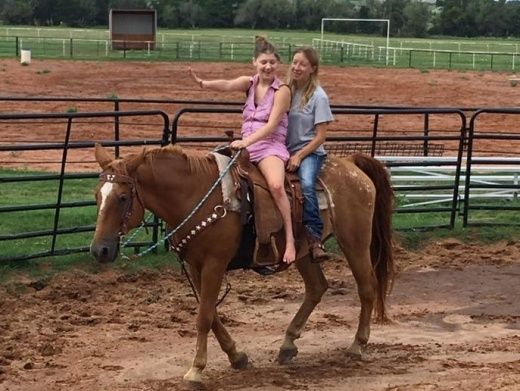 Searcy Briana and mom on horseback